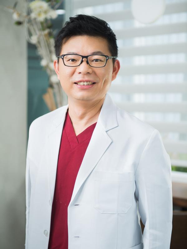 院長 梁宏安 醫師